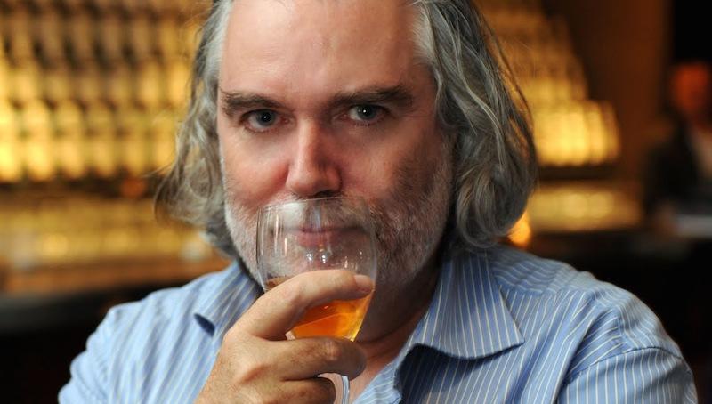 A serenidade nos olhos de quem escolheu um blend como melhor whisky do mundo.